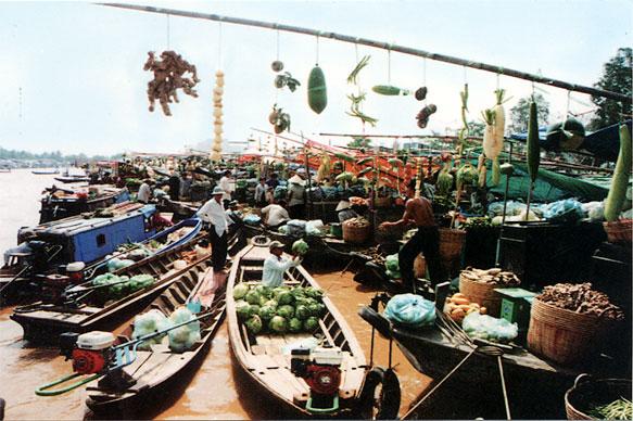 Chợ nổi Cà Mau – chút tình sông nước